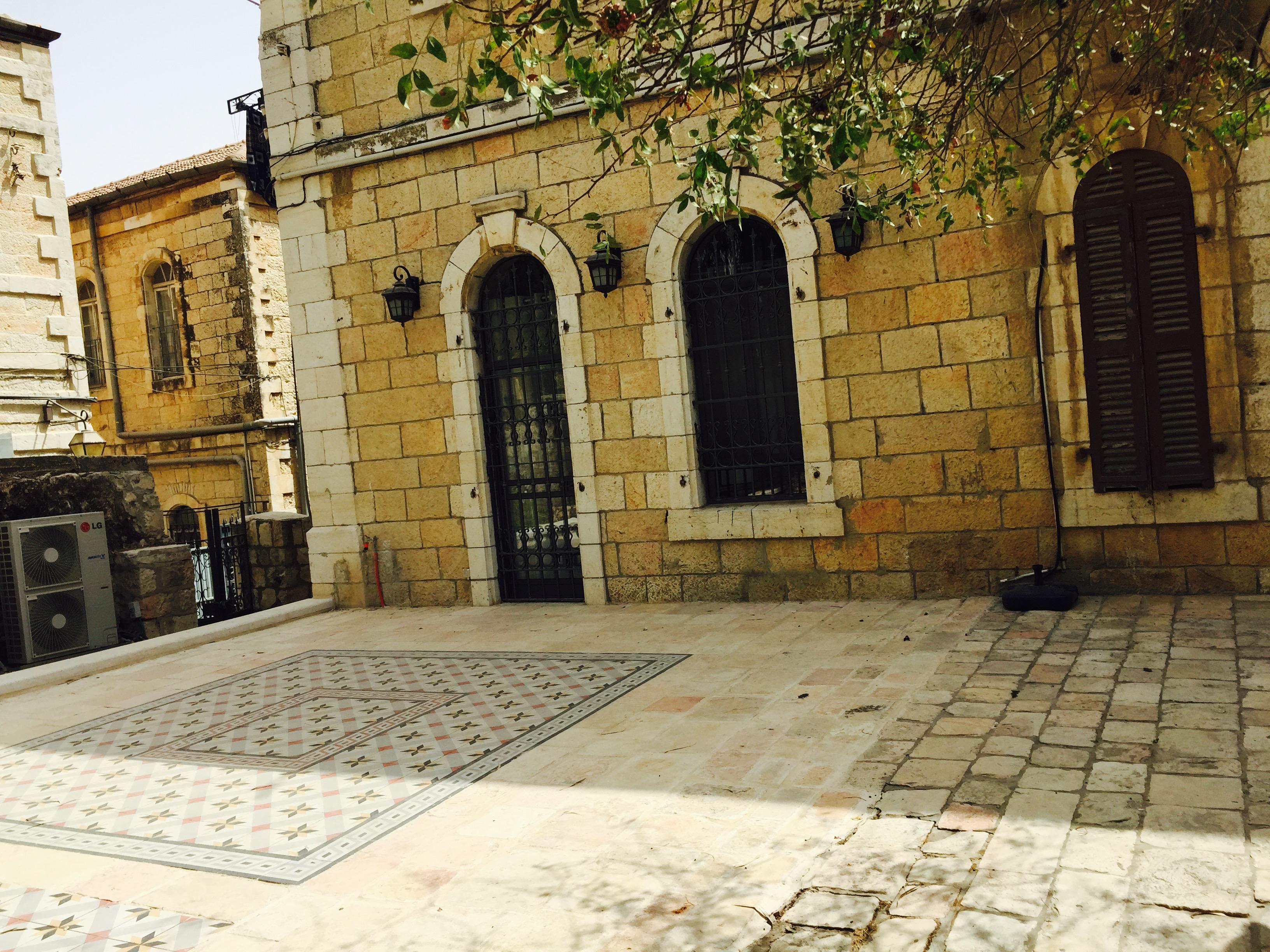 JerusalemLuxury – Musrara Garden Apartment